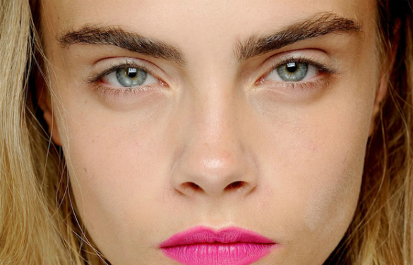 Cara-Delevingne's-power-brows